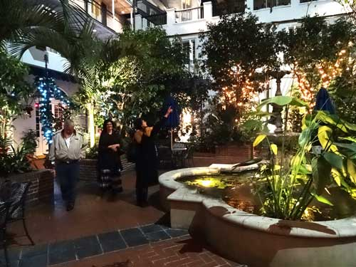 Royal Sonesta Courtyard